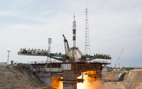 Запуск ракеты-носителя «Союз-ФГ» с кораблем «Союз МС-09». 6 июня 2018 года