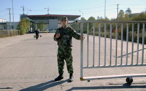 Пограничный переход на китайско-российской границе