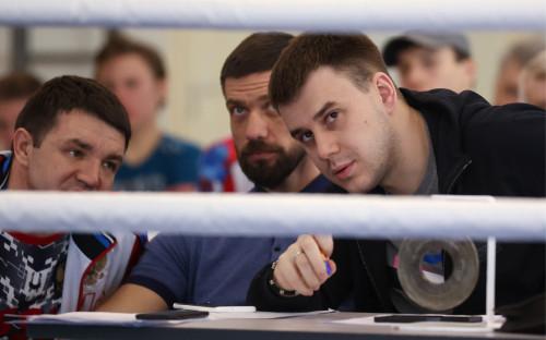 Кирилл Щекутьев (справа)