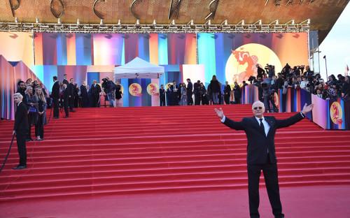 <p>Президент ММКФ, председатель союза кинематографистов России Никита Михалков перед началом церемонии открытия кинофестиваля в театре &laquo;Россия&raquo;</p>