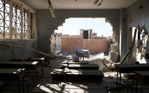 <p>26 октября при авиаударе по школе в провинции Идлиб в Сирии погибли, по данным ЮНИСЕФ, 22 ребенка и шесть учителей</p>  <p><br /> &nbsp;</p>
