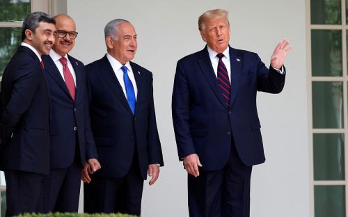 Дональд Трамп с Абдуллой бен Зайедом, АбдуллатифАль-Заяни и Биньямином Нетаньяху
