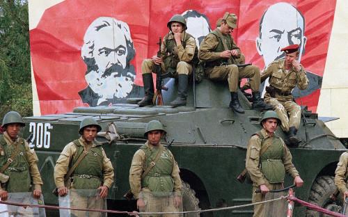 Баку и Ереван договорились не стрелять по мирным объектам и населению