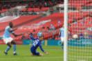 "Фото: Хаким Зиеш забивает гол в ворота ""Манчестер Сити"" (Фото: AP)"