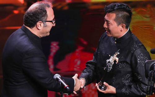 <p>Иранский режиссер Реза Миркарими и китайский режиссер Лян Цяо (слева направо)</p>  <p></p>