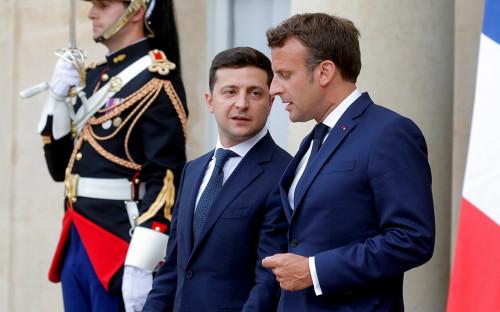 Владимир Зеленский и Эмманюэль Макрон (слева направо)