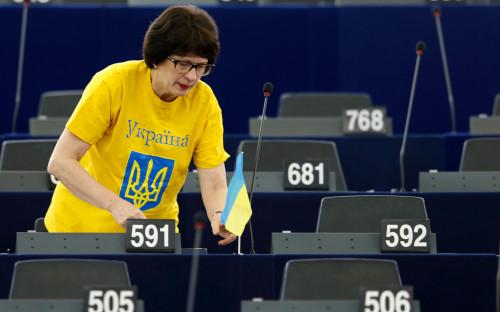 Сандра Калниете в зале заседаний Европарламента, 2014 год