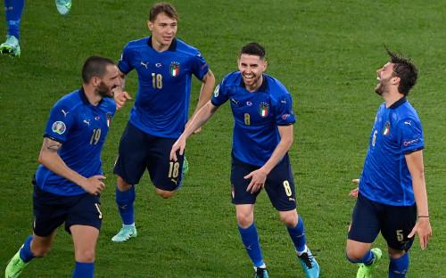 Фото: Игроки сборной Италии (Riccardo Antimiani - Pool/UEFA via Getty Images)