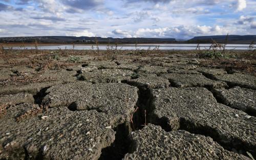 Берег Бахчисарайского водохранилища в Крыму