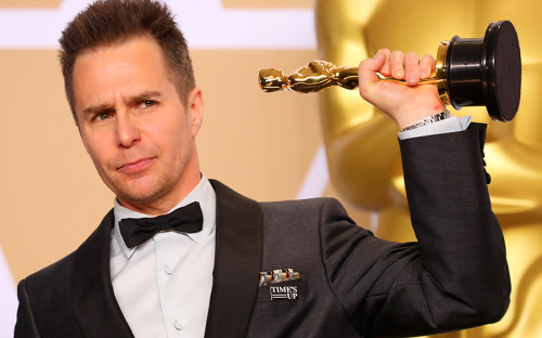 Сэм Рокуэлл получил «Оскар» за лучшую мужскую роль второго плана в фильме «Три билборда на границе Эббинга, штат Миссури»