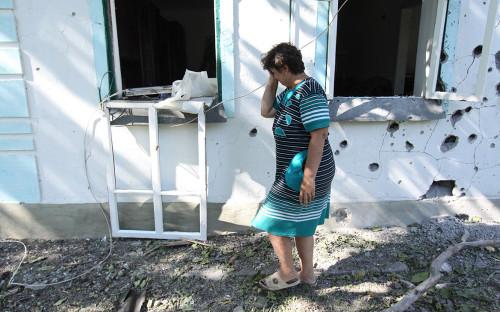 Последствия обстрела поселкав Донецкой области