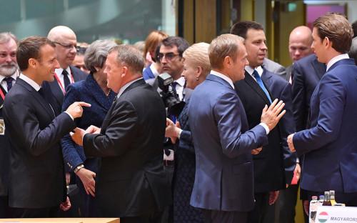 Эмманюэль Макрон, премьер-министр Дании Ларс Лёкке Расмуссен,Дональд Туск и федеральный канцлер Австрии Себастьян Курц (слева направо на первом плане)