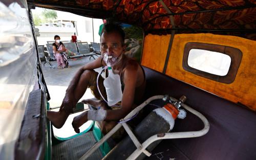 В Индии заявили о «коронавирусном шторме» после нового мирового рекорда