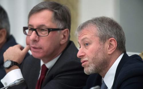 <p>Петр Авен (слева) и Роман Абрамович</p>  <p></p>
