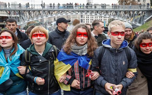Поводом для протестов послужило заседание в Минске 1 октября, на котором участники Трехсторонней контактной группы подписали «формулу Штайнмайера»