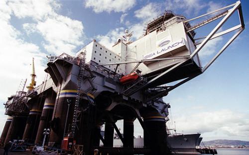 <p>Морская платформа для&nbsp;запуска космических аппаратов Sea Launch</p>
