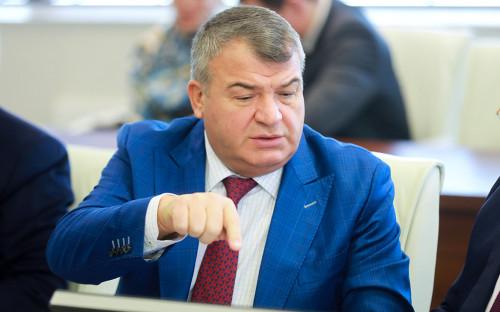 Сердюков начал ревизию «слабого звена» российского авиапрома