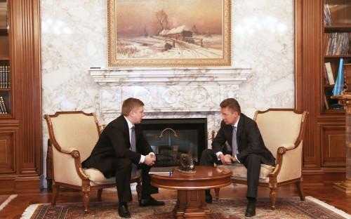 <p>Глава &laquo;Нафтогаза&raquo; Андрей Коболев (слева) и глава &laquo;Газпрома&raquo; Алексей Миллер (справа)</p>