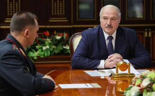 Бывший глава ГУВД Минска Иван Кубраков и Александр Лукашенко
