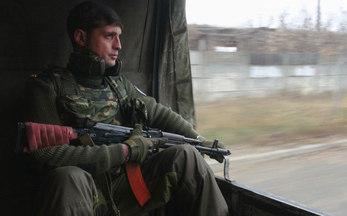 """<p><strong>Чем известен: </strong>участвовал в&nbsp;боях за&nbsp;Славянск, Иловайск, Донецкий аэропорт.</p>  <p><strong>Гибель: </strong>погиб в&nbsp;результате&nbsp;теракта 8 февраля 2017 года. <a href=""""http://dnr-news.com/dnr/38902-komandir-podrazdeleniya-somali-mihail-tolstyh-ubit-v-donecke.html"""">По версии издания</a> &laquo;Новости Донецкой республики&raquo;, Толстых погиб при&nbsp;взрыве в&nbsp;своем кабинете в&nbsp;Макеевке. Один из&nbsp;бывших лидеров ДНР Игорь Стрелков на&nbsp;своей странице &laquo;ВКонтакте&raquo; <a href=""""https://vk.com/igoristrelkov"""">сообщил</a>,&nbsp;что, по&nbsp;его информации, по&nbsp;комнате, в&nbsp;которой находился Толстых, выстрелили из&nbsp;гранатомета &laquo;Шмель&raquo;. Nation-news cо ссылкой на&nbsp;Минобороны ДНР сообщило имя предполагаемого убийцы Гиви. По версии руководства ДНР это Зорян Шкиряк, принимавший участие в&nbsp;выборах президента. Он <a href=""""http://www.rbc.ru/politics/08/02/2017/589ada289a79476e8f433f40"""">отрицает</a> обвинения в&nbsp;своей причастности.</p>"""