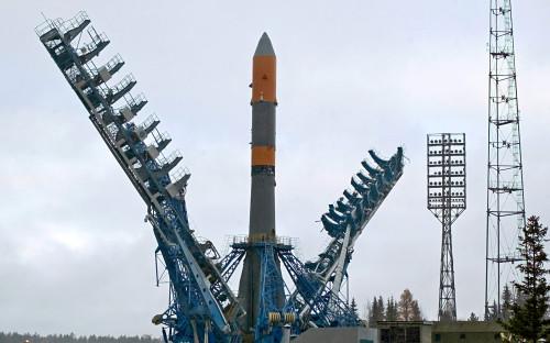 Подготовка к запуску ракеты «Молния-М» со спутником «Космос-2422»