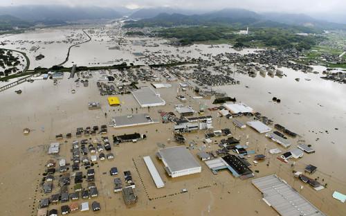 В префектурах Хиросима, Окаяма, Тоттори, Хиого и Киото был объявлен режим чрезвычайного положения