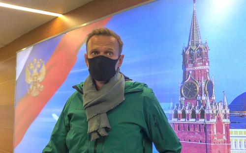 Алексей Навальный по прибытии в аэропорт Шереметьево в Москве