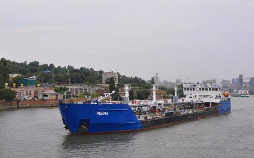 Экипаж задержанного на Украине российского танкера вернулся в Москву