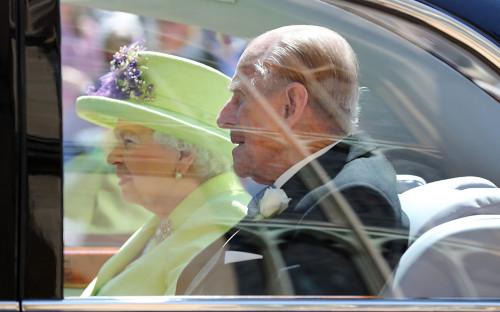 "Королева Елизавета II и принц Филипп <div id=""gtx-trans"" style=""position: absolute; left: 281px; top: 117px;""> <div class=""gtx-trans-icon""></div> </div>"
