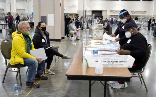 Пересчет голосов в Милуоки, штат Висконсин