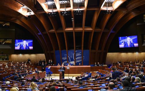 Петр Порошенко во время выступления на сессии Парламентской ассамблеи Совета Европы