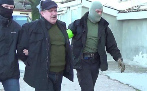 <p>Во время задержания бывшего военнослужащего Черноморского флота, капитана второго ранга запаса Леонида Пархоменко</p>  <p></p>