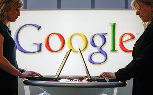"""<p><span style=""""font-size:16px;""""><strong>Google</strong></span></p>  <p></p>  <p>23 января <a href=""""http://top.rbc.ru/technology_and_media/23/01/2015/54c221f19a79474b3e0d7d47"""">стало известно</a> о том, что Google заблокировала&nbsp;<span class=""""js-spell-error"""">аккаунты</span>&nbsp;в сервисе AdSense для пользователей, проживающих на&nbsp;территории Крыма. В письме клиентам&nbsp;компания указала, что &laquo;издатели из этого региона больше не могут сотрудничать с AdSense в связи с санкциями, которые недавно вступили в силу&raquo;. В посланиях, которые публиковали пользователи в сети, Google выражала сожаления по поводу невозможности перечислить невыплаченные средства с&nbsp;<span class=""""js-spell-error"""">аккаунта</span>.</p>  <p></p>  <p>&laquo;Будучи американской компанией, мы обязаны санкции исполнять&raquo;, &ndash; пояснила РБК пресс-служба Google.</p>  <p></p>  <p>Как сообщил источник, близкий к компании, некоторые бесплатные сервисы продолжат работать в Крыму. Для жителей полуострова будут доступны, например, &laquo;Поиск&raquo;, Gmail, &laquo;Карты&raquo; и другие, отметил собеседник РБК. Отказ выплачивать деньги с&nbsp;<span class=""""js-spell-error"""">аккаунтов</span>&nbsp;источник объяснил техническими проблемами &ndash; осуществлять выплаты кому бы то ни было в Крыму запрещено, многие международные банки перестали работать на этой территории.</p>  <p></p>  <p>С 1 февраля ограничения для крымских пользователей появятся также в работе магазина приложений Google Play &ndash; скачивать можно будет только бесплатные приложения. Помимо AdSense невозможно будет пользоваться и другим рекламным сервисом<strong>,</strong> AdWords.</p>  <p></p>  <p>Опрошенные РБК <a href=""""http://top.rbc.ru/technology_and_media/24/12/2014/549ac5e89a79471841044b6d"""">эксперты&nbsp;уверены</a>, что пользователи будут находить пути обхода запретов. При регистрации на сервисах жители Крыма будут указывать другое место жительства (например, Краснодар вместо Севастополя), а при блокировке по IP &ndas"""