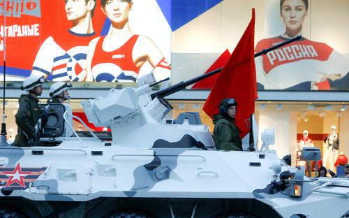 <p>БТР-82А во время проезда военной техники по Тверской улице</p>  <p></p>