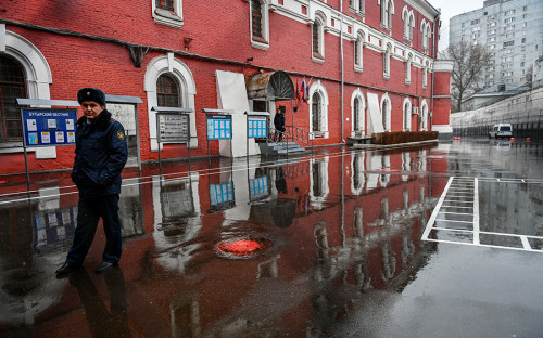 Бутырский следственный изолятор — самый крупный в Москве: представляет собой два десятка трехэтажных корпусов
