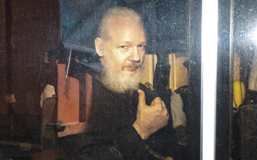 Джулиан Ассанж