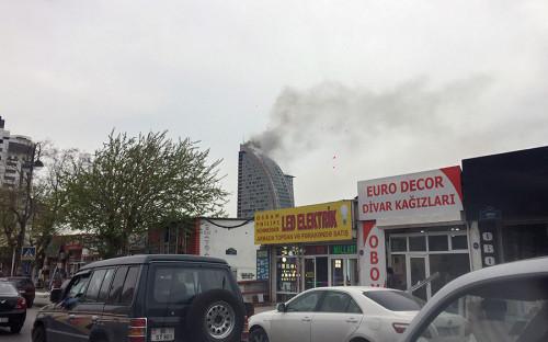 Пожар в бизнес-центре начался около 12:00 мск