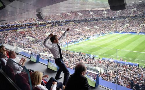 <p>15 июля. Президент Франции Эмманюэль Макрон во время финального матча между командами Франции и Хорватии.</p>