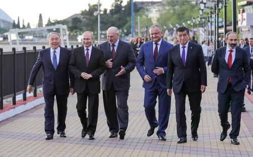 Участники после заседания Высшего Евразийского экономического совета