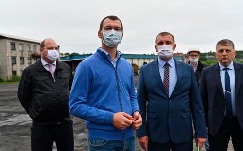 Михаил Дегтярев (2-йслева)