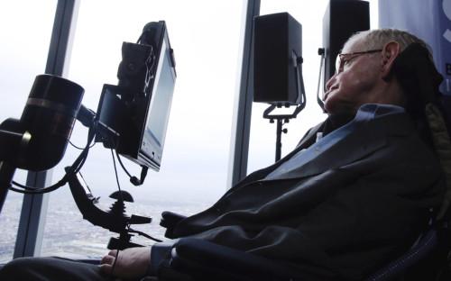 Стивен Хокинг в апреле 2016 года