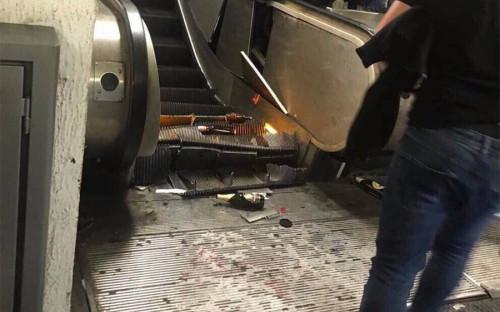 Авария эскалатора произошла на станции «Репубблика» — одной из центральных подземки Рима. Поломка случилась в час пик — около 19:00 по местному времени (20:00 мск)