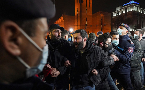 Задержания демонстрантов в Ереване