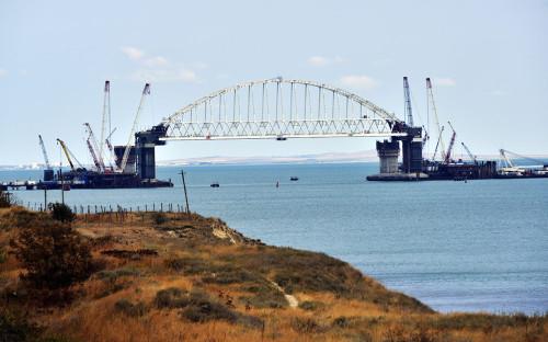 <p>Строительство Крымского моста</p>