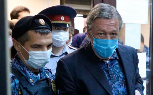 Михаил Ефремов во время оглашения приговора в Пресненском районном суде