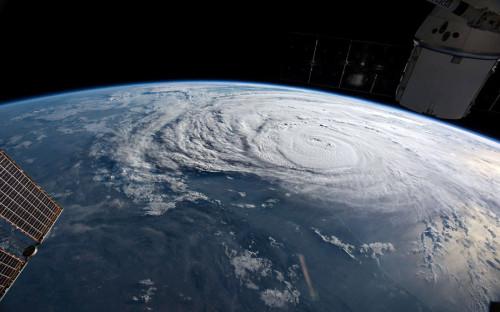 <p>Ураган &laquo;Харви&raquo; у берегов Техаса с МКС<br /> &nbsp;</p>