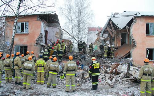 <p>Поисково-спасательная операция на месте взрыва</p>  <p></p>