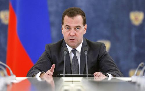 """<p><span style=""""font-size:16px;""""><strong>Дмитрий Медведев</strong></span>,&nbsp;председатель правительства России</p>  <p>&nbsp;</p>  <div>&laquo;Предприниматели не должны жить и работать в атмосфере страха, и это абсолютно точно. Поэтому добросовестные предприниматели должны быть под защитой закона, их нужно максимально поддерживать и поощрять&raquo;. &laquo;Недопустимы любые попытки кошмарить бизнес. Этот сигнал, к сожалению, остается актуальным до сих пор&raquo;. (Цитаты по ТАСС, Интерфаксу)&nbsp;</div>"""