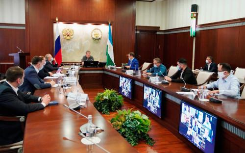 <p>Радий Хабиров на совещании&nbsp;в формате видеоконференции с главами муниципалитетов</p>