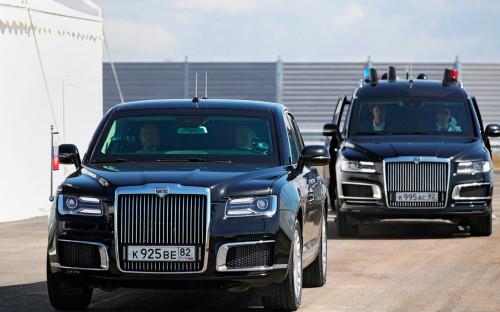 Владимир Путин за рулём «Ауруса» проехал по новому построенному участку автодороги «Таврида»